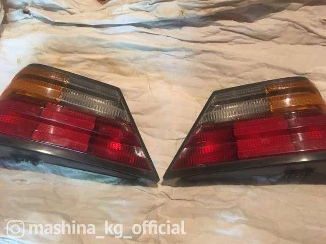 Запчасти и расходники - Плафоны задние на Мерседес 124 кузов