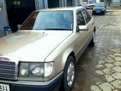 Mercedes-Benz W124 230 2.3, 1991 г., $ 3 500