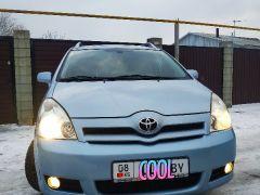 Toyota Corolla Verso I Рестайлинг 1.8, 2004 г., $ 6 000