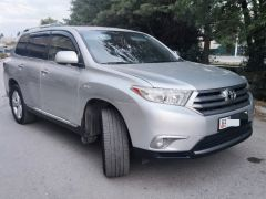 Toyota Highlander II (U40) Рестайлинг 3.5, 2011 г., $ 19 000