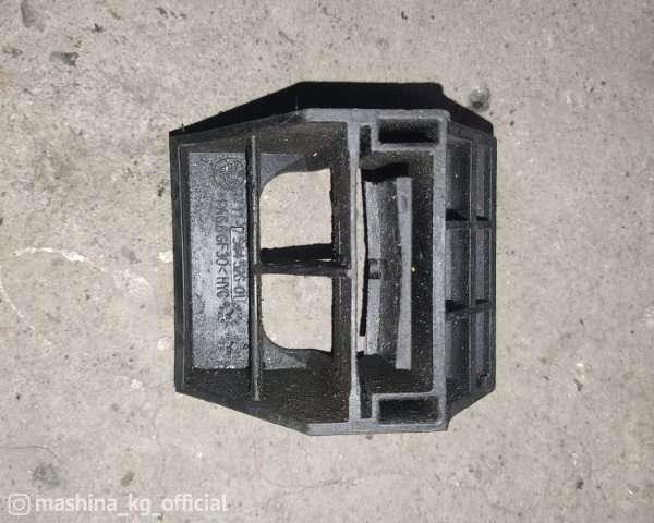 Запчасти и расходники - Кронштейн радиатора, E60, 17117544526