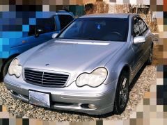 Mercedes-Benz C-класс II (W203) 240 2.6, 2003 г., $ 5 083