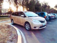 Toyota Sienna III 3.5, 2012 г., $ 15 900