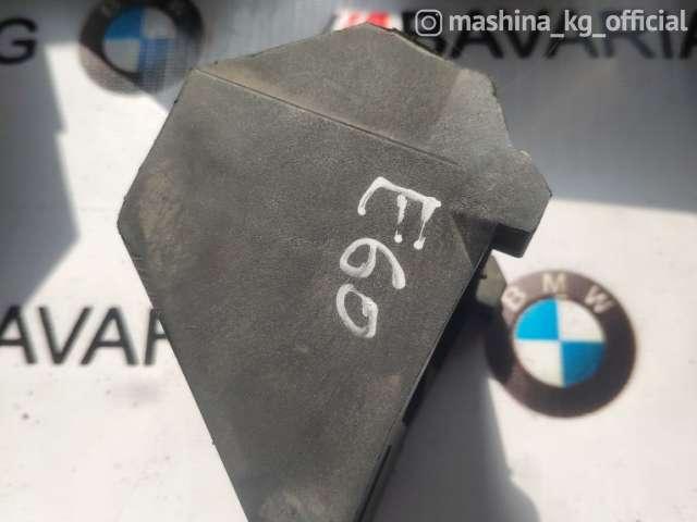 Запчасти и расходники - Кронштейн радиатора, E60LCI, 17117542517