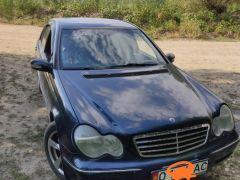 Mercedes-Benz C-класс II (W203) 200 2.0, 2001 г., $ 4 127