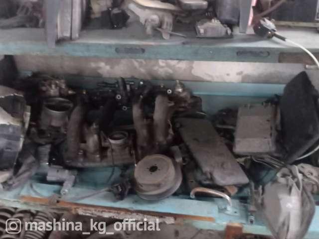 Авто на запчасти - Мерс 124 полосатик