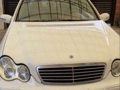 Mercedes-Benz C-класс II (W203) 240 2.6, 2003 г., $ 4 200