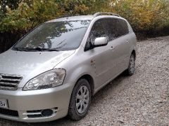 Toyota Avensis Verso 2.0, 2003 г., $ 6 000