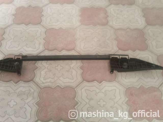 Запчасти и расходники - Кронштейн радиатора, E53, 1711143917