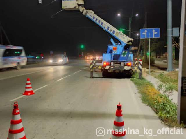 Эвакуатор - УСЛУГИ АВТОКРАНА ГРУЗОПОДЬЕМНОСТЬ ДО 5 тонн ВЫСОТА ПОДЬЕМА 21 метр